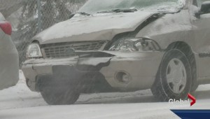 Spring snowfall creates havoc on Calgary roads