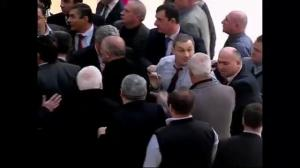 Raw video: Fight breaks out in Georgian parliament over Ukraine situation