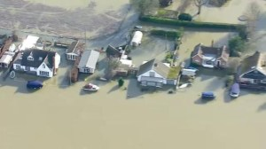 Angry resident call on David Cameron to address River Thames flooding crisis