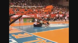 Raw video: Shocking accident at Harlem Globetrotters game