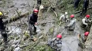 Rescue crews continue search after last week's mudslide in Washington State