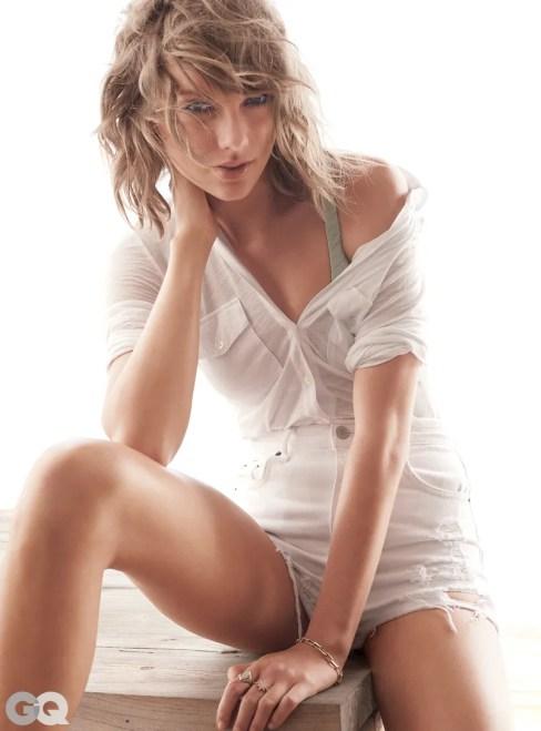 Foto Seksi Dalaman Taylor Swift Dengan Baju Menerawang di Majalah GQ 1
