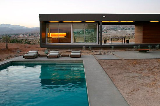 Dwell marmol radziner modern prefab house of ana s for Modular pool house