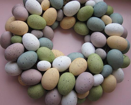 Easter-egg wreath before