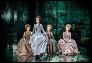 Från vänster: Ana Gil  de Melo Nascimento, Livia Millhagen, Marie Göranzon och Maria Bonnevie. Fotograf: Roger Stenberg