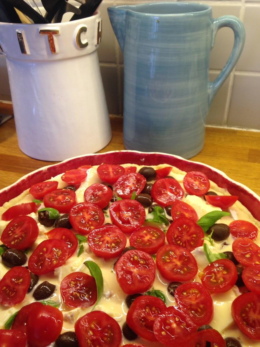 Paj med brieost och soltorkade tomater