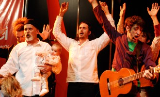 """Con hijos y nietos festejó los 35 años de """"El Juglar""""."""