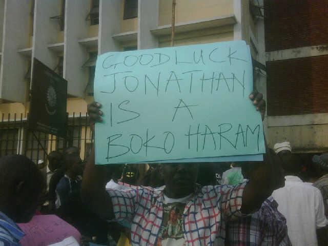 Protest along Ikorodu Road, Lagos today ... Photo: Ben Ezeamalu