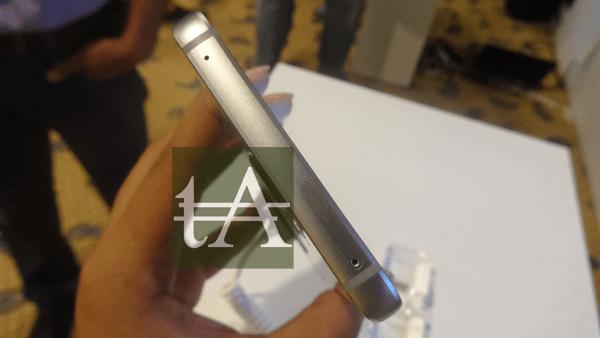 Samsung-Galaxy-Note-5-SIM-SlotsSamsung Galaxy Note 5 SIM Slots