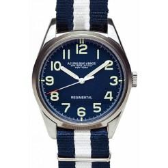 Regimental bleu bracelet blanc et bleu Spalding, 185€