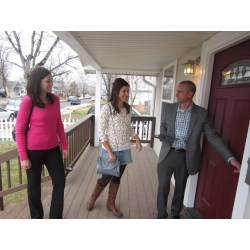 Small Crop Of House Hunters Meme