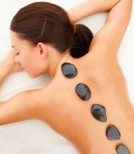Njut av klassisk massage och Hot Stone massage på Salong Unik. Boka din tid online eller ring 021 - 80 11 12