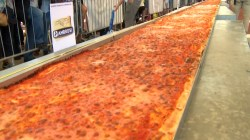 Swanky Italy Serves Up Longest Pizza Worlds Biggest Pizza Order Worlds Biggest Pizza Challenge