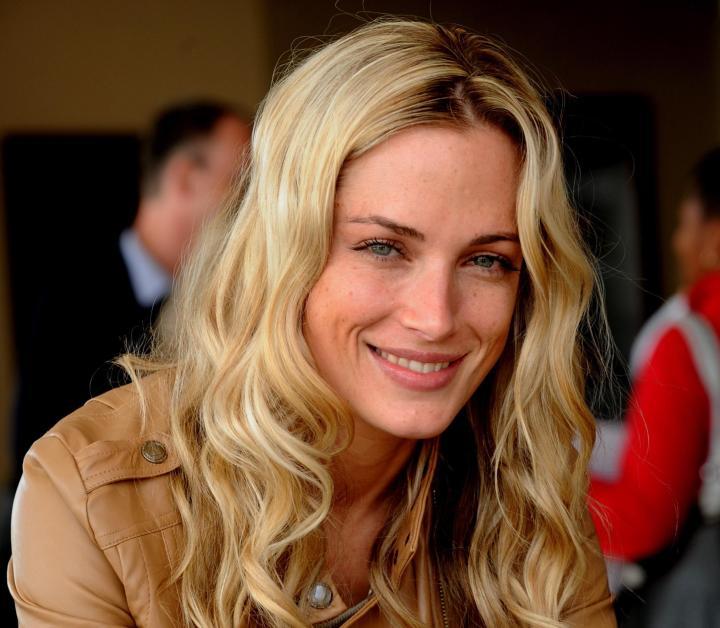 Kristen Stewart & Stella Maxwell Dating? Relationship Rumours (Glamour ...