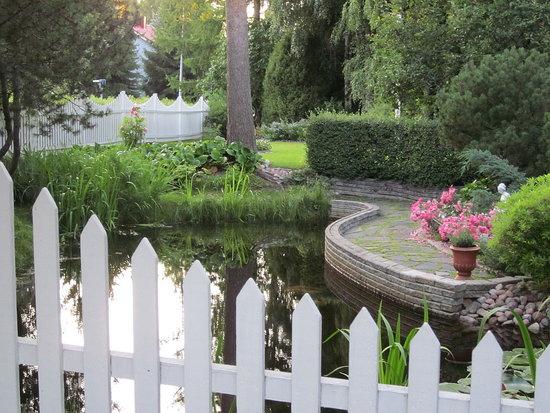 Dreamy garden corner