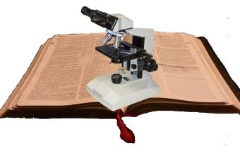biblia-microcopio-pixabayédit
