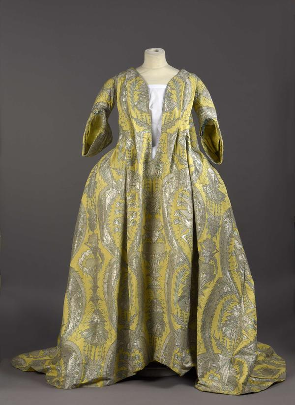 """This rare 1700s <em>robe volante, </em>or """"flying dress,"""" was recently purchased by Palais Galliera, a fashion museum in Paris."""