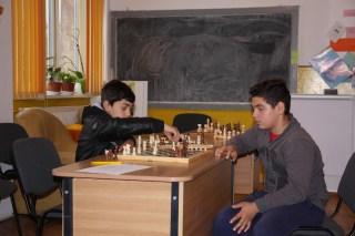 Terapia prin șah în cabinetul directoarei