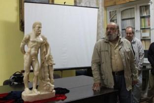 statuie hercules (sursa ziarulapulum.ro)