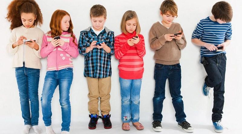 niños-con-celulares