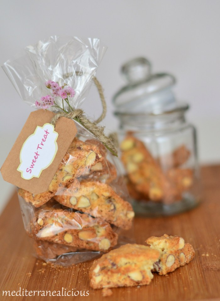 cantuccini - almond cookies 5