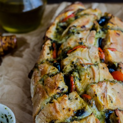 Quick & Easy Pizza-Style Stuffed Bread
