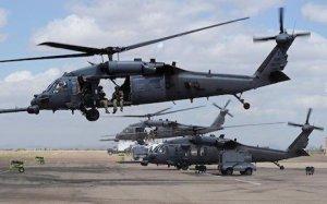 Vrtuľníky Black Hawk sú umiestnené v Erbile. AFP fotografia.