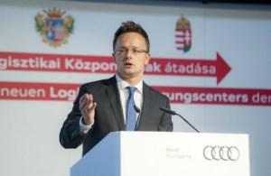 Maďarský minister zahraničia Peter Szijjarto varuje - do Európy smeruje až 35 miliónov migrantov - Independent.mk