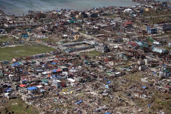 188810-typhoon-haiyan-df421