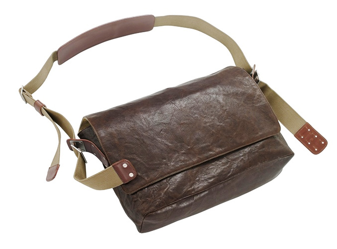 BARBICAN Soft Leather Shoulder Bag :: Brooks England