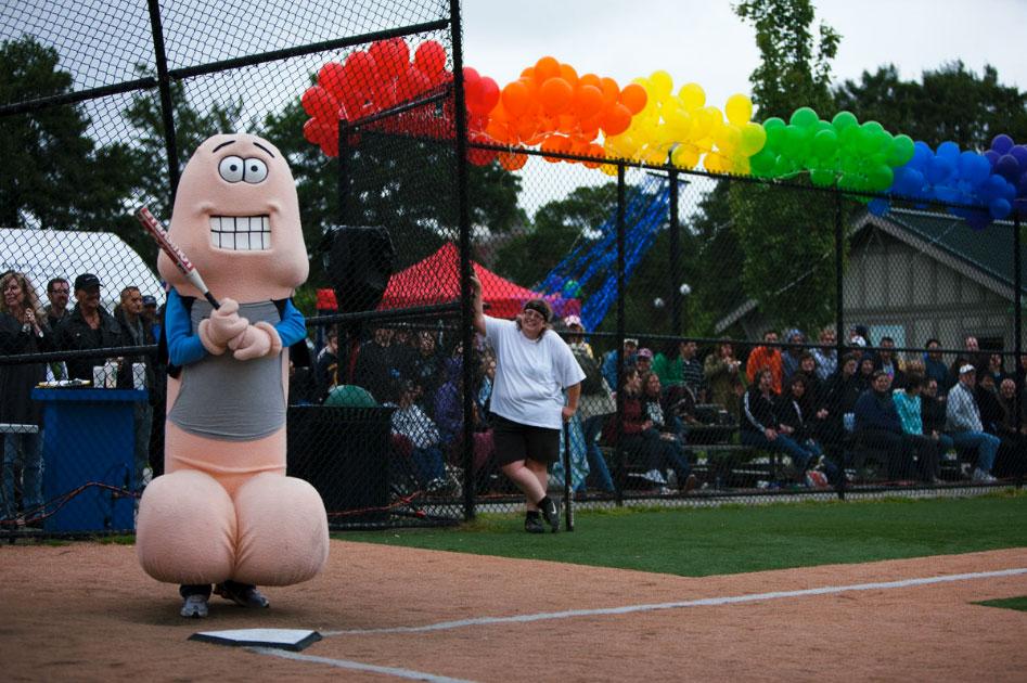 Weird Sports :: Sol Neelman Photographer
