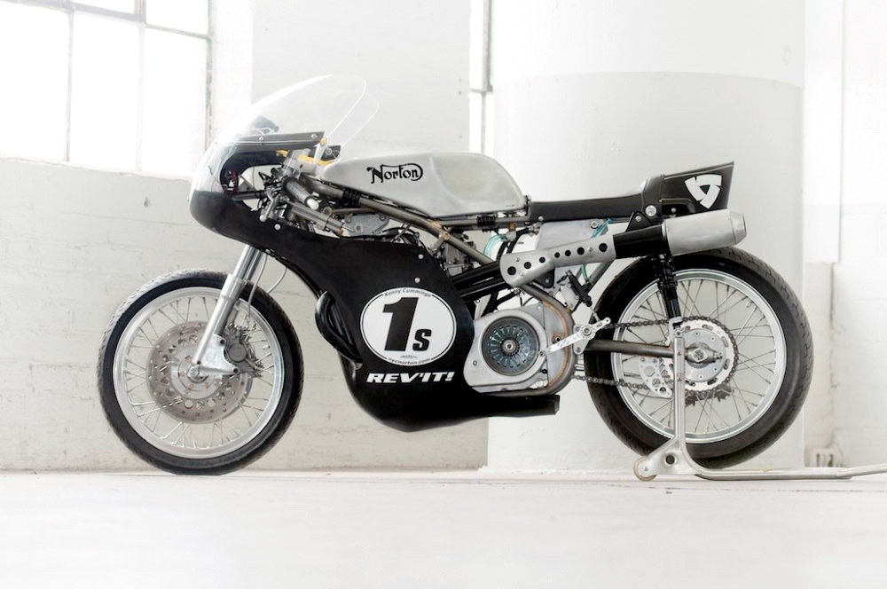 Seeley Norton :: Building A Vintage Racing Motorcycle (1)