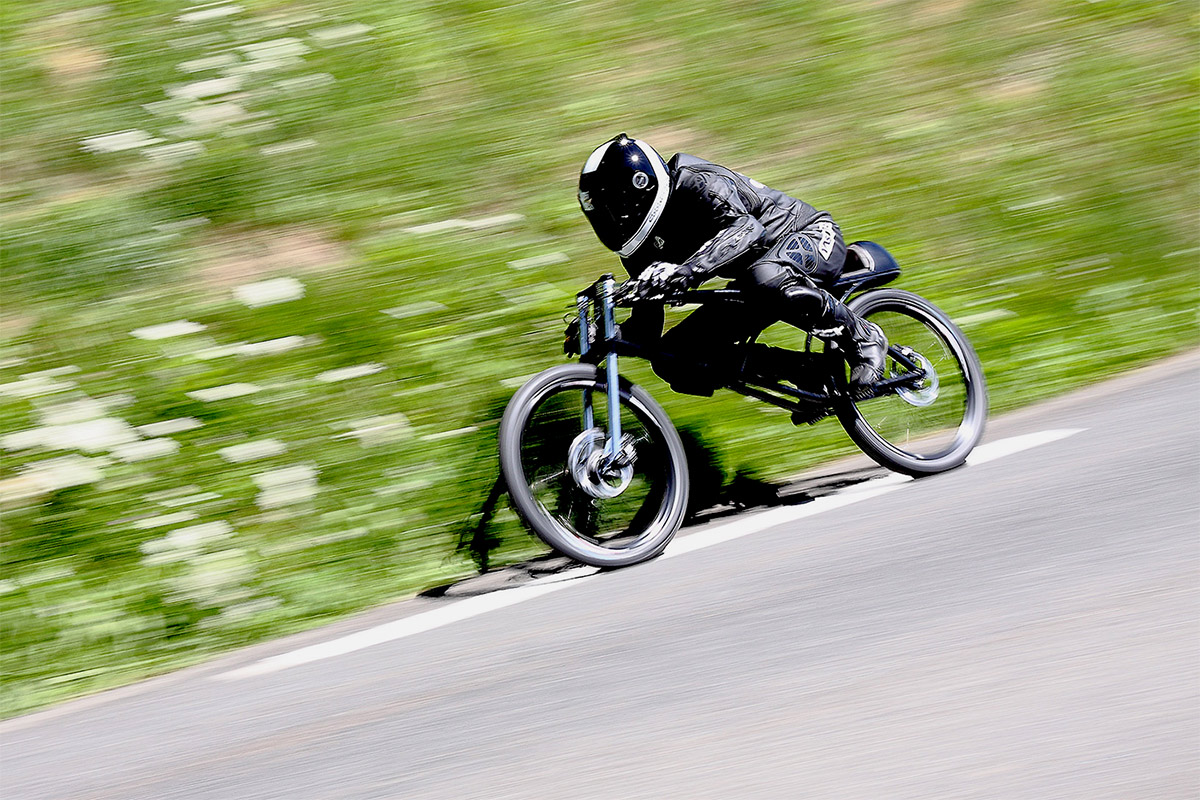 The Yasujiro :: Asphalt Gravity Concept Bike (1)