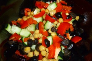 Chickpea, cucumber, red pepper and black olive mix