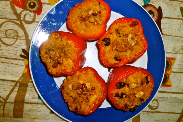 delicious.stuffed.peppers.with.bulgur.and.cranberries