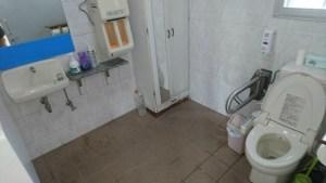 トイレも広々です。