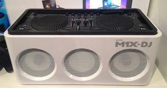 Philips M1X-DJ, um mixer para DJs com assinatura de Armin Van Buuren