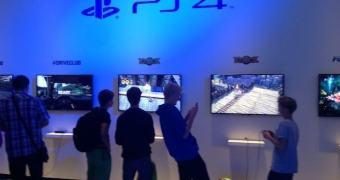 Demonstração do PS4 no stand da Sony na IFA 2013