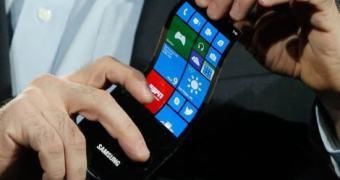 Samsung pretende anunciar primeiro smartphone com tela curva em outubro