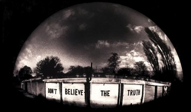 dont-believe-the-truth-4e7570335abe0