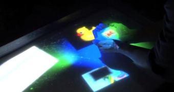 Kinect + Japão = uma touchscreen na sua banheira