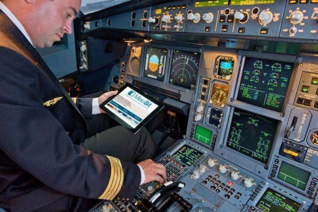 800x600_1341910863_Ipad_flight_bag_pilot