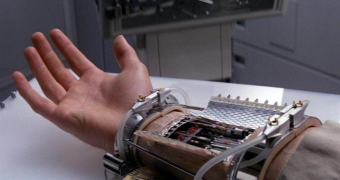 Outro dia, outro avanço. Mão robótica com SENTIDO DE TATO