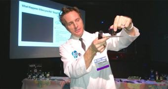 HP Inkology — Uma aula de impressora e tintas com o Doc Brown