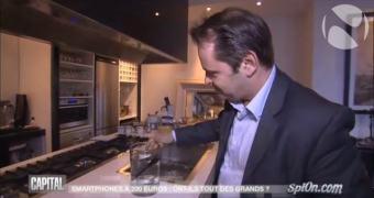 """CEO da Archos aprende a diferença entre """"resistente à água"""" e """"à prova d'água"""""""