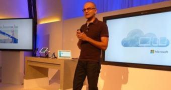 Satya Nadella explica por que o Office demorou tanto para chegar ao iPad