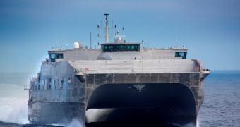 Marinha dos EUA testará railgun embarcada em 2015