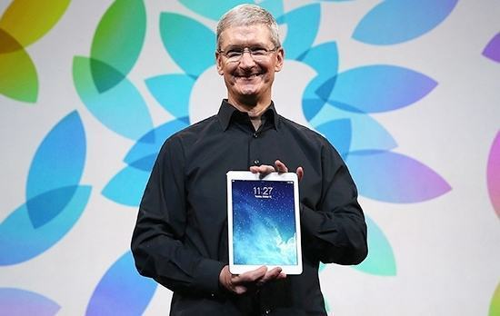 tim-cook-ipad-air