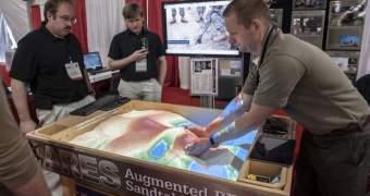 Militares usam Kinect para melhorar caixa de areia. Gatos aprovam.