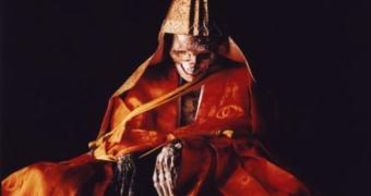 Monge budista é campeão mundial de Pique-Esconde